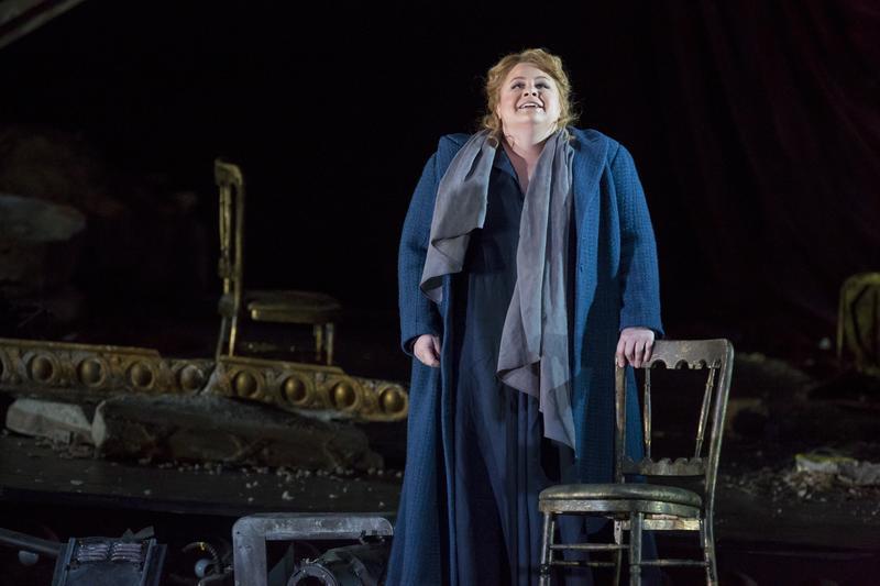 """Amber Wagner as Elisabeth in Wagner's """"Tannhäuser."""""""