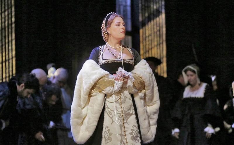Sondra Radvanovsky in the title role of Donizetti's 'Anna Bolena'