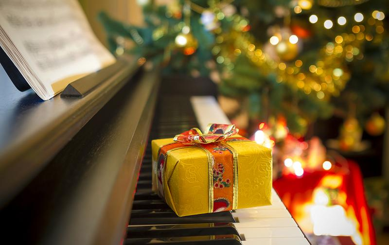 the wqxr holiday channel plays your classical christmas favorites - Classical Christmas
