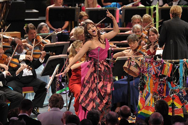 Danielle de Niese sings a gypsy-themed piece at the Last Night of the Proms