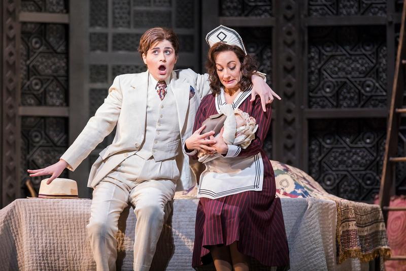 Serena Malfi as Cherubino and Christiane Karg as Susanna in Mozart's Le Nozze di Figaro.
