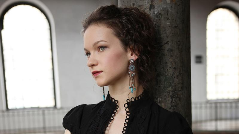 Hilary Hahn's newest project is called In 27 Pieces: The Hillary Hahn Encores.