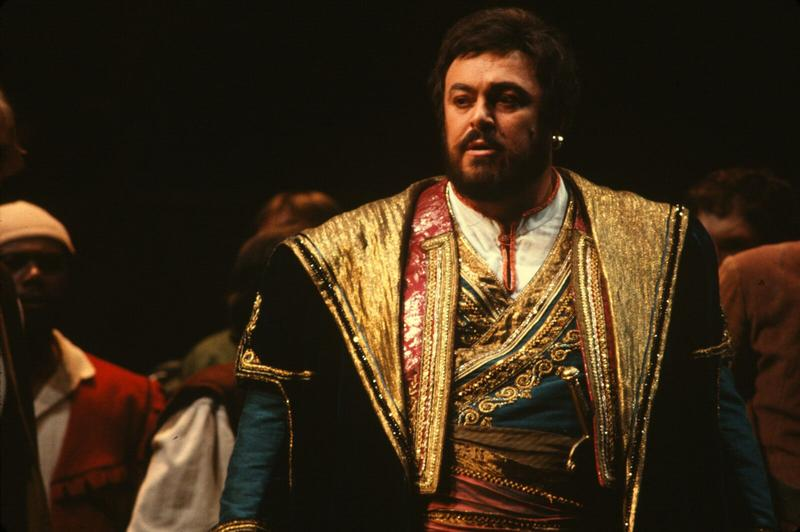 "A scene from a 1979  San Francisco Opera production of ""La Gioconda"""