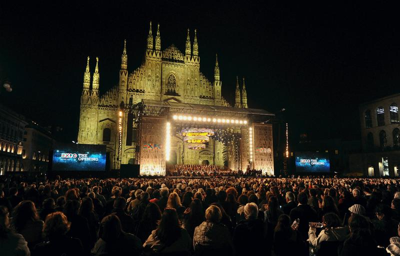 The choir and orchestra of the Teatro alla Scala during the Opening Event Expo 2015 at Piazza Duomo on April 30, 2015 in Milan, Italy