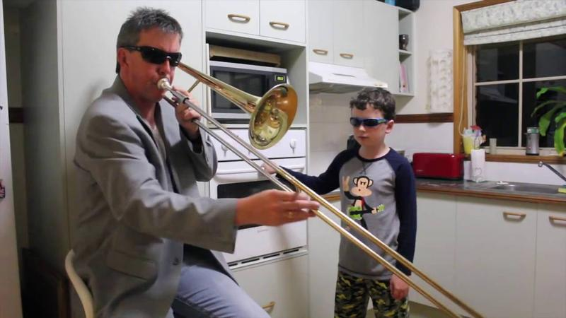 Oven Kid and Dad perform a duet 'When Mama Isn't Home.'