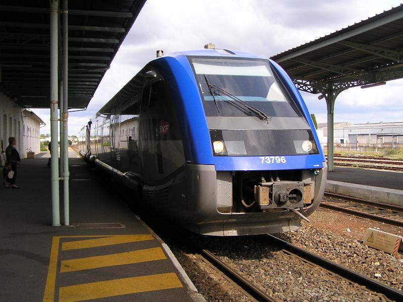 An SNCF commuter train