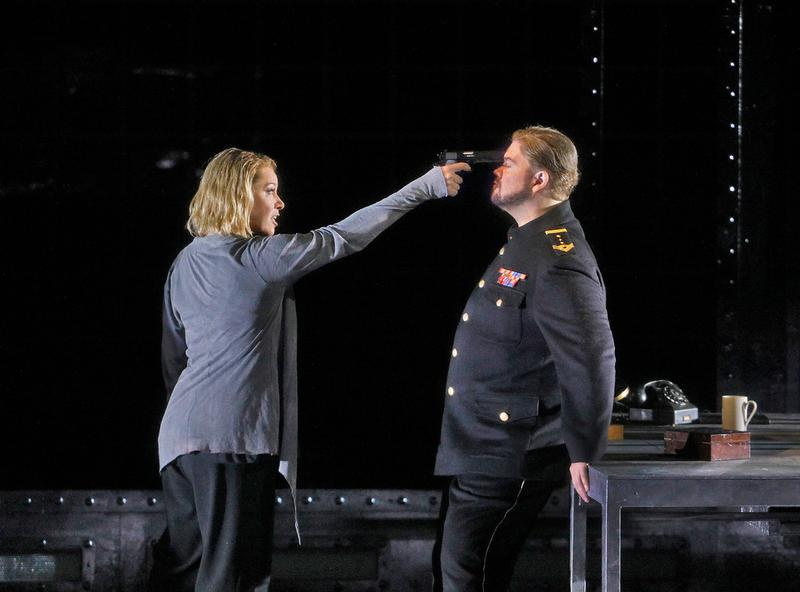 Nina Stemme as Isolde and Stuart Skelton as Tristan in Wagner's Tristan und Isolde