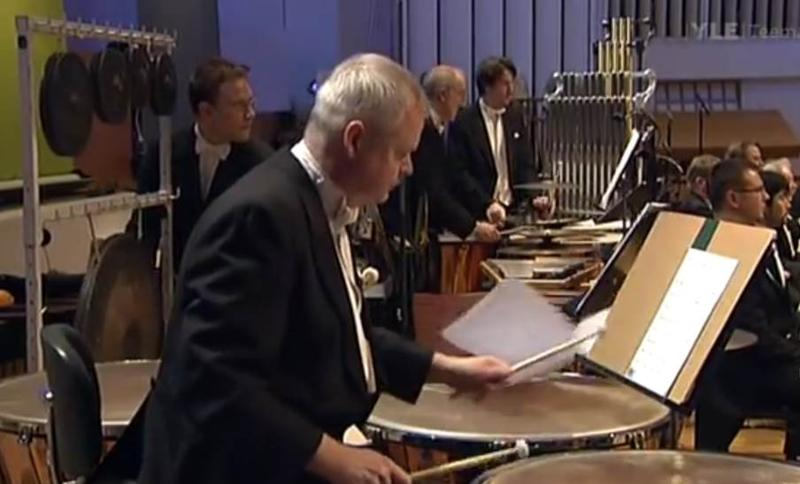 A timpanist unexpectedly loses his music
