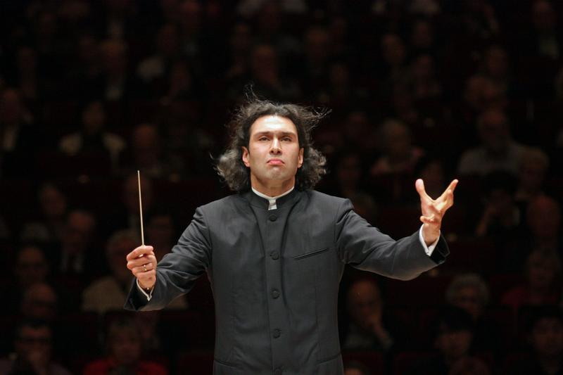 Vladimir Jurowski leading the London Philharmonic in Shostakovich's Symphony No. 8 at Carnegie Hall