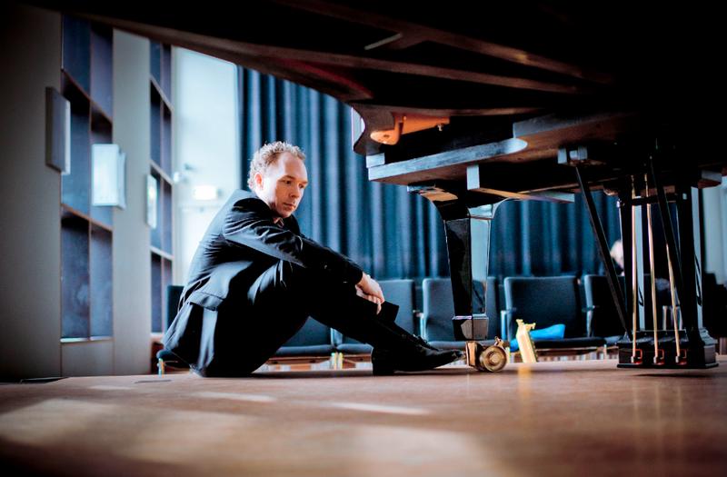 Pianist Ralph van Raat