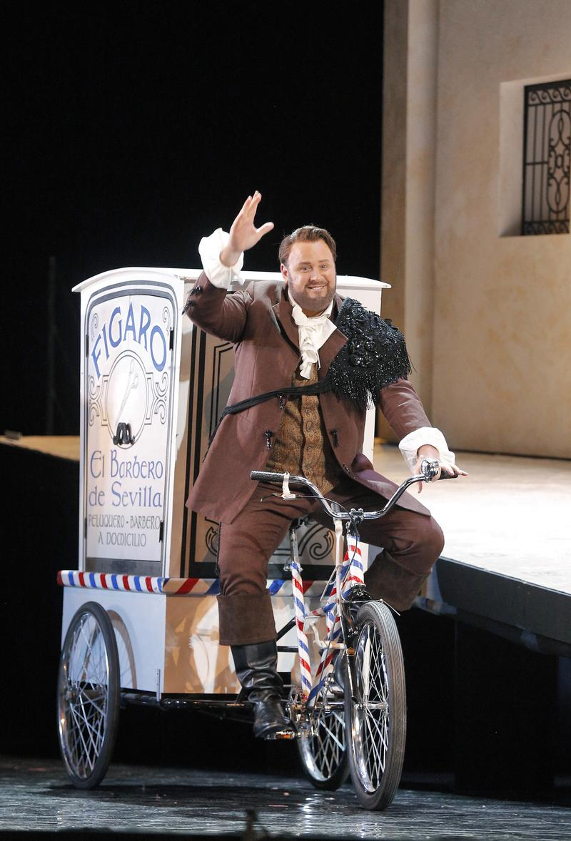 "Lucas Meachem as Figaro in Rossini's ""The Barber of Seville"""
