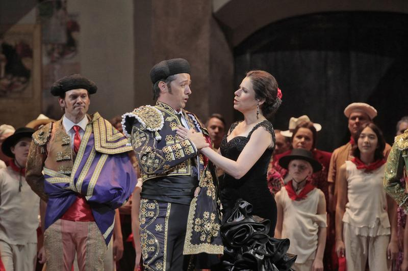 Alexander Vinogradov as and Ana-Maria-Martinez in the title role of BIzet's 'Carmen.'