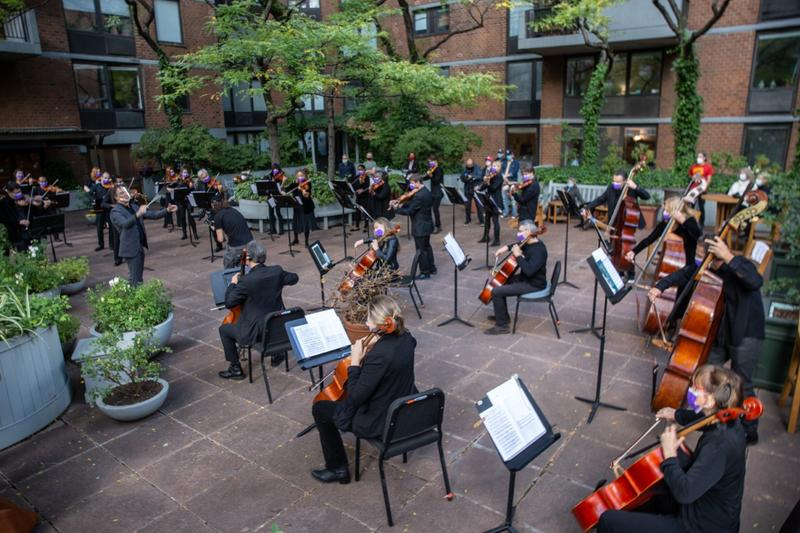 The American Modern Ensemble on the Manhattan Plaza outdoor terrace