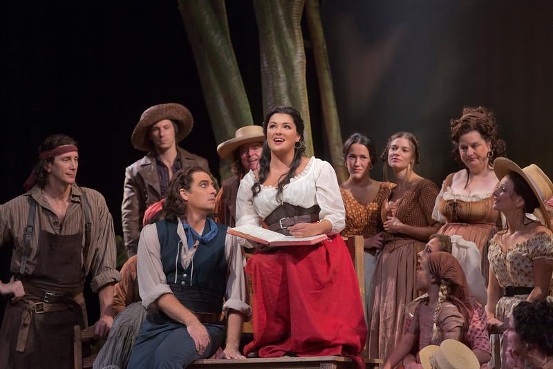 Matthew Polenzani as Nemorino and Anna Netrebko as Adina in Donizetti's 'L'Elisir d'Amore'
