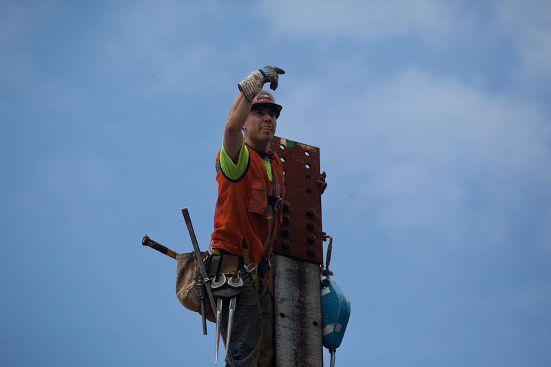 Sky Walking: Raising Steel, A Mohawk Ironworker Keeps