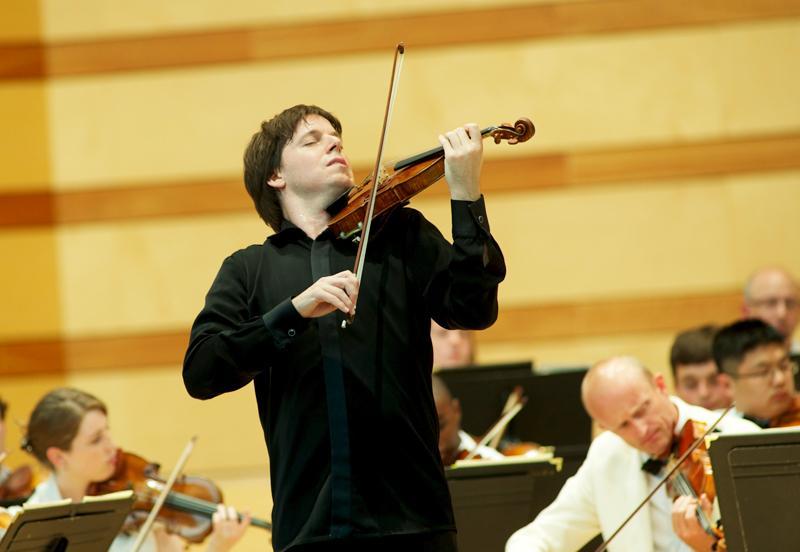 Joshua Bell performs at the Aspen Music Festival
