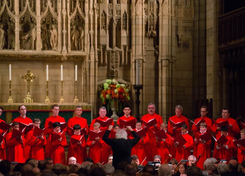 Sir Simon Rattle leads the Saint Thomas Choir of Men and Boys in the Fauré Requiem.