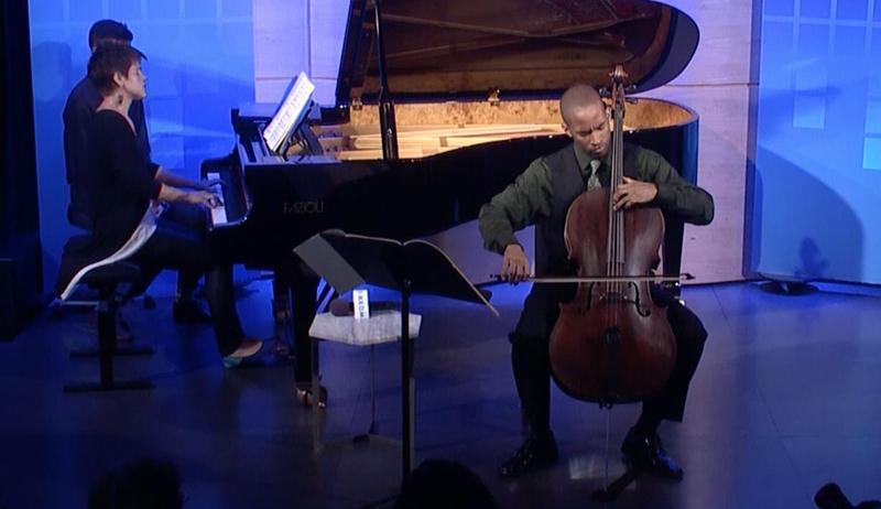 Cellist Khari Joyner and pianist Cherie Roe perfoming in The Greene Space