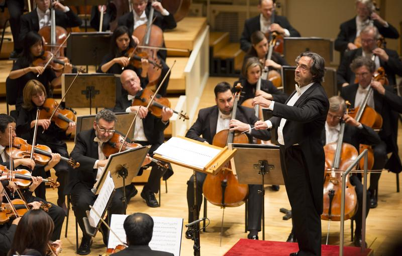 Ricardo Muti conducts the Chicago Symphony Orchestra