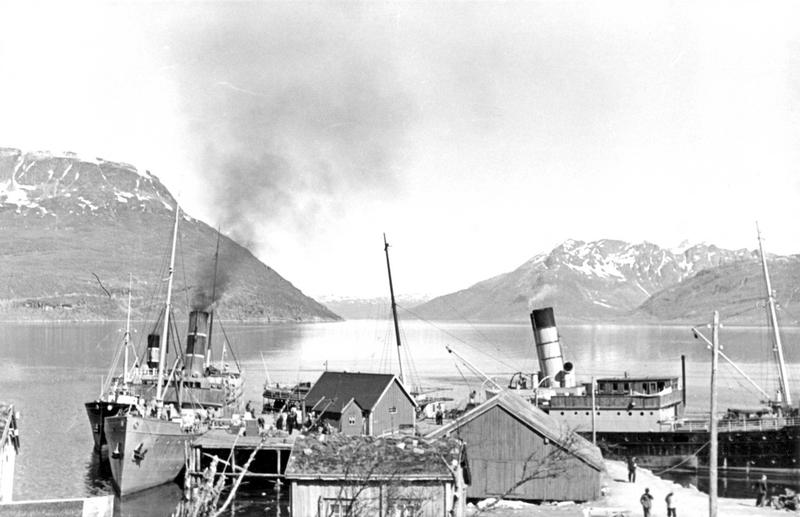 Ships in Trondheim, Norway (1940)