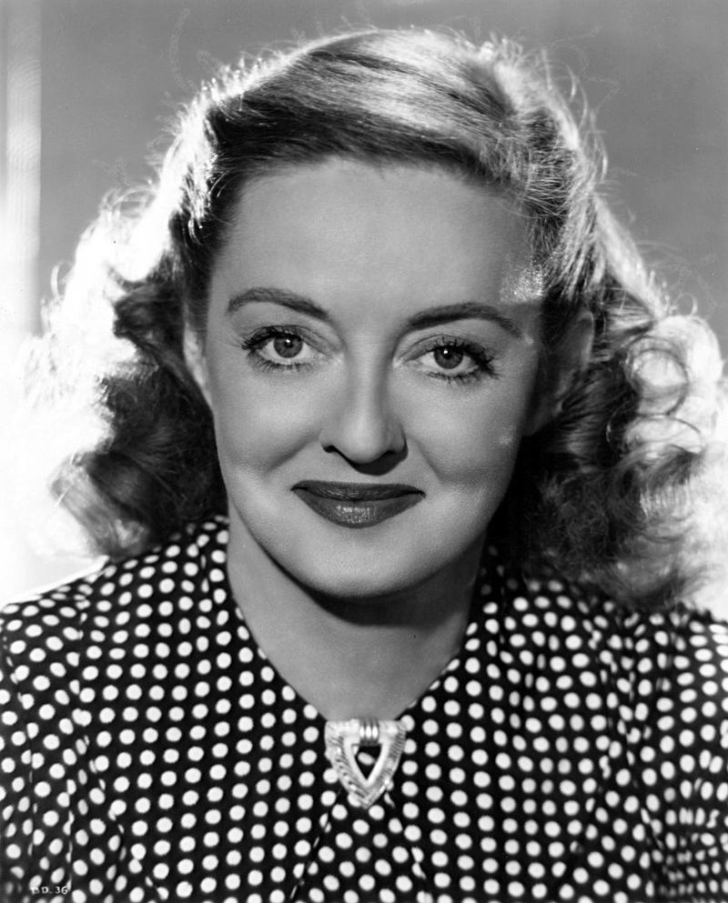 Studio portrait of Bette Davis (1940)