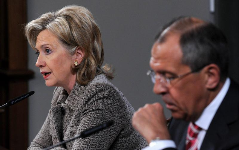 US Secretary of State Hillary Clinton (L) speaks at a press conference after talks with Russian Foreign Minister Sergei Lavrov (R) in Moscow on March 18, 2010.