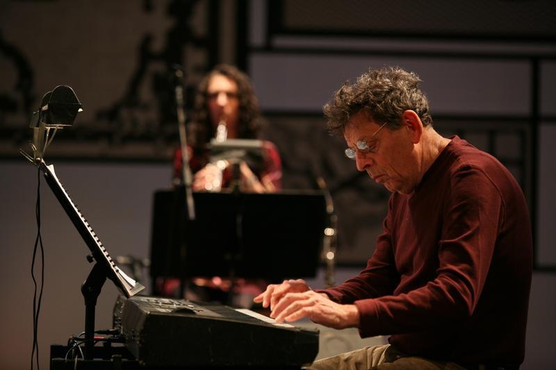 Glass performing 'Book of Longing' in Milan, September 2008
