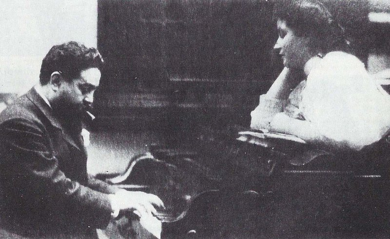 Isaac Albéniz with his daughter Laura.