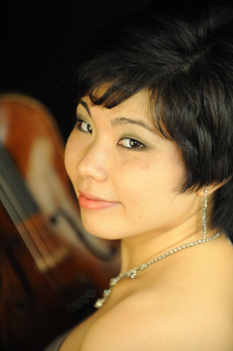 Violinist Ayane Kozasa