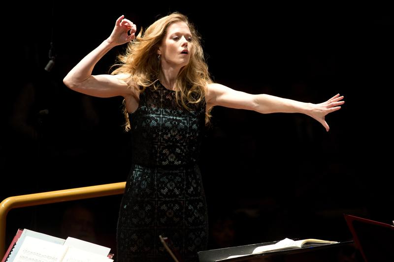 Barbara Hannigan conducts the Orchestra dell'Accademia Nazionale di Santa Cecilia.