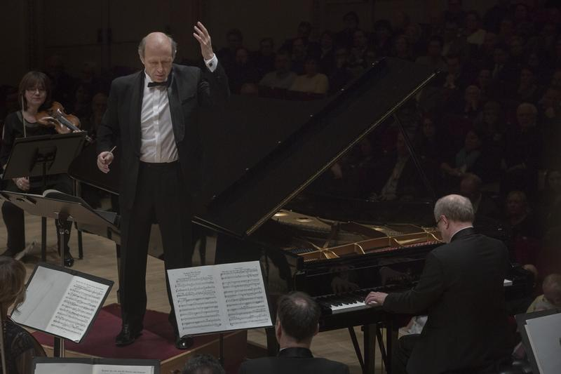 Iván Fischer leads the Budapest Festival Orchestra and pianist Marc-André Hamelin in Liszt's Piano Concert No. 1 at Carnegie Hall on Feb. 18, 2016.
