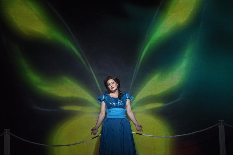 Elizabeth Caballero sings the title role in New York City Opera's 'Florencia en el Amazonas.'