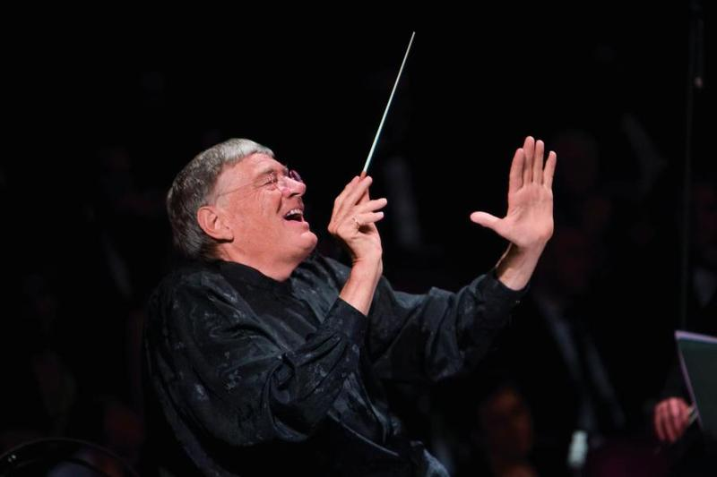 Sir Jeffery Tate's international conducting debut was with the Metropolitan Opera in New York in 1979.