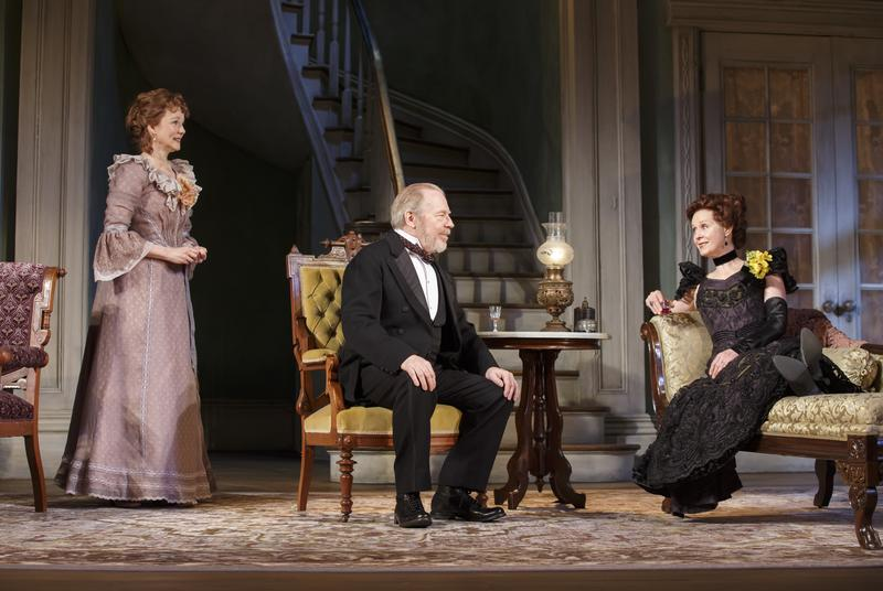 Laura Linney (Birdie Hubbard), Michael McKean (Ben Hubbard), and Cynthia Nixon (Regina Giddens) in The Little Foxes.
