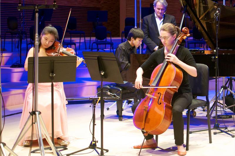 Stanford Alumni Piano Trio.