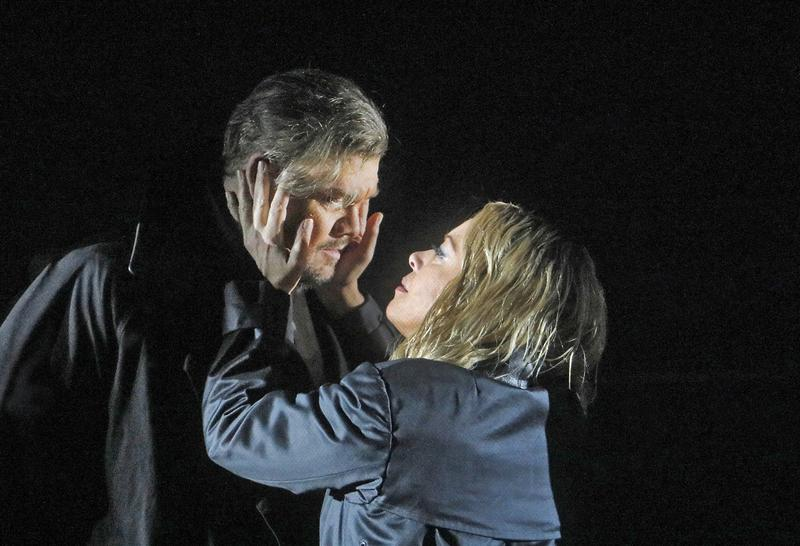 Stuart Skelton and Nina Stemme in the title roles of Wagner's 'Tristan und Isolde.'