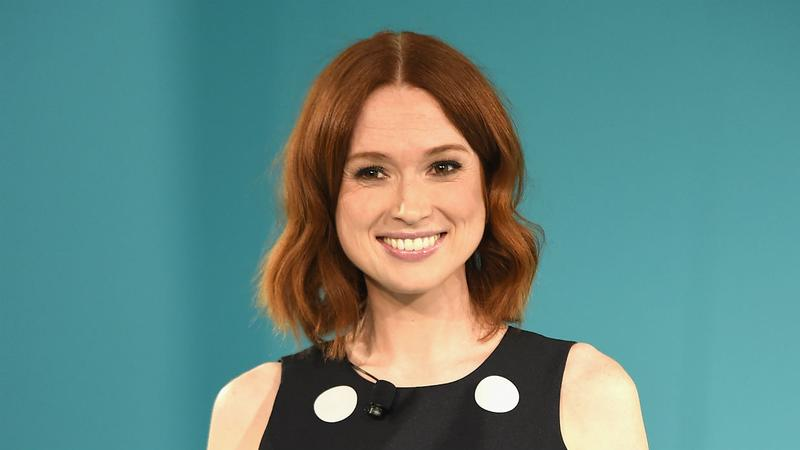 Ellie Kemper Gets Brain Freeze With Alec Baldwin Heres The Thing