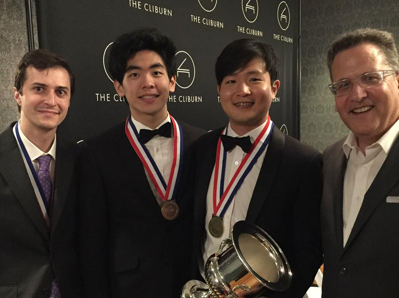 Van Cliburn Piano Competition winners Kenneth Broberg (silver), Daniel Hsu (Bronze) and Yekwon Sunwoo (Gold) with host Elliott Forrest