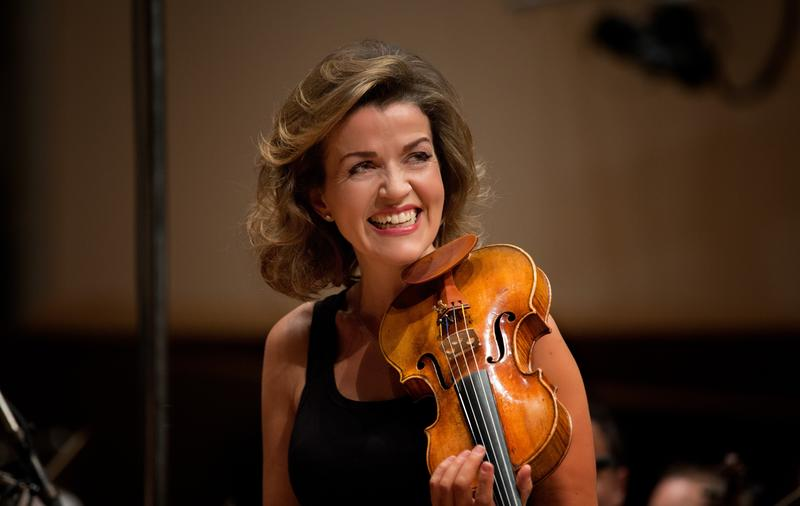 Violinist Anne-Sophie Mutter joins the Berlin Philharmonic.