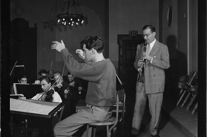 "Benny Goodman (right) and Leonard Bernstein, ca. 1946-48. Goodman premiered Bernstein's ""Prelude, Fugue and Riffs"" in 1955."
