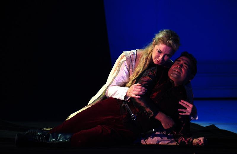 Annick Massis and Aquiles Machado as Romeo and Juliet
