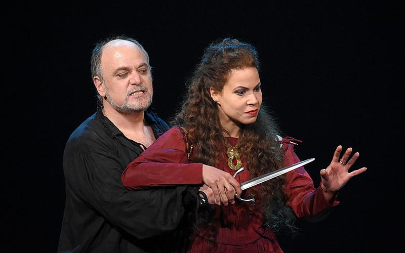 Verdi's 'Macbeth' from the Champs-Elysées Theatre in Paris, starring soprano Susanna Brancini as Lady Macbeth, and baritone Roberto Frontali in the title role.