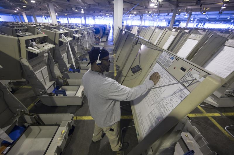 election security how vulnerable are voting machines to hacking
