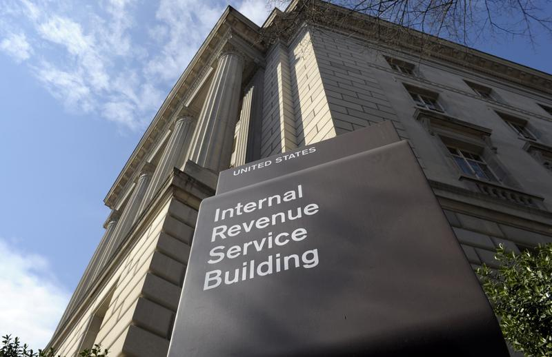 New Tax Bill Will Make it Illegal for IRS to Offer Free E-Filing