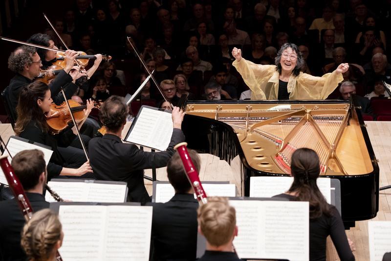 Listen: Mitsuko Uchida and the Mahler Chamber Orchestra
