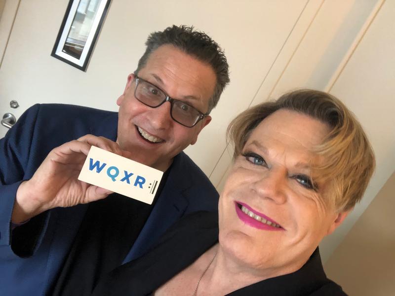 WQXR host Elliott Forrest with comedian and actor Eddie Izzard.