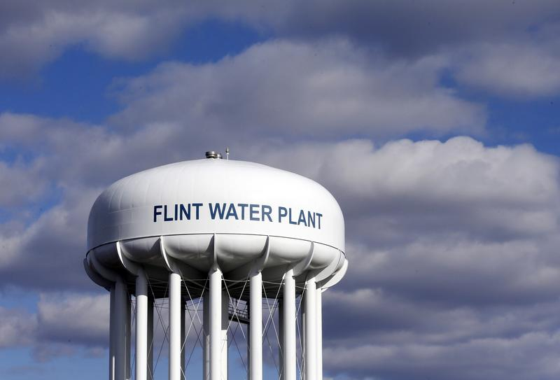 Prosecutors Drop Charges in Flint Water Crisis Cases, Extending Investigation