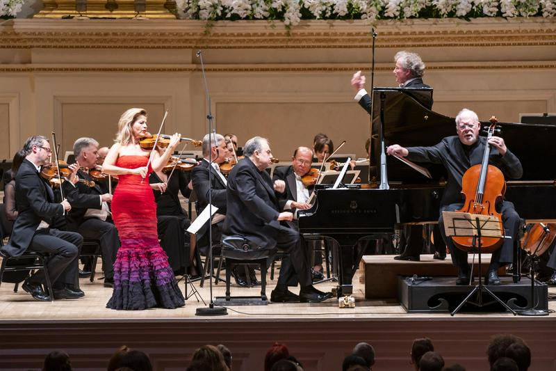 Conductor Franz Welser-Möst, Violinist Anne-Sophie Mutter, Cellist Lynn Harrell, Pianist Yefim Bronfman, and the Cleveland Orchestra at Carnegie Hall's 2019 Opening Night
