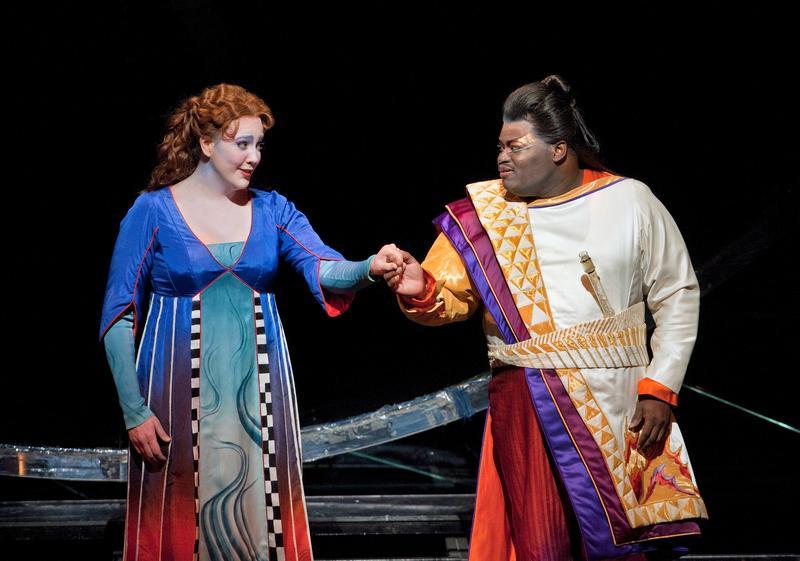 Susanna Phillips as Pamina and Russell Thomas as Tamino