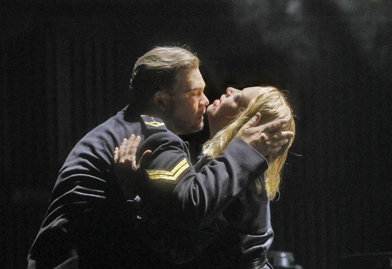 Stuart Skelton and Nina Stemme in the title roles of Wagner's Tristan und Isolde.